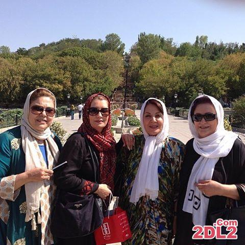 عکسی از فریبا کوثری و همکارانش در تبریز