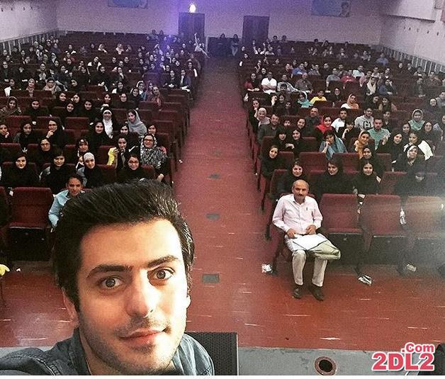 عکس سلفی سیدعلی ضیا در کنار بوشهریها