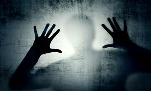 تجاوز جنسی به دختر باکره در حیاط یک کلیسا
