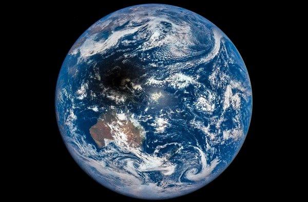انتشار تصویر سایه ماه بر روی زمین