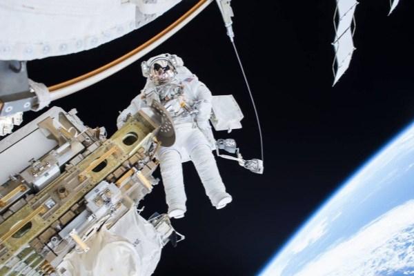 فضانوردان 24 برابر بیشتر از افراد دیگر در معرض تشعشات هستند