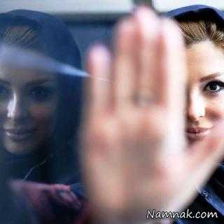 عکس یادگاری نیوشا ضیغمی با بدلکاران زن