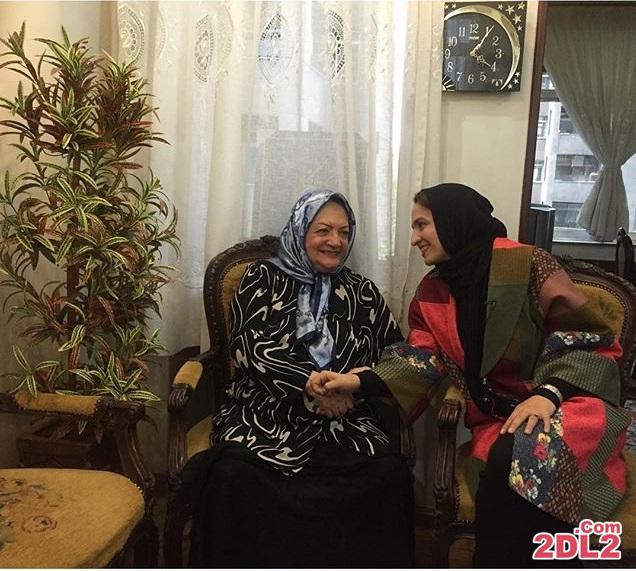 گلاره عباسی اولین عیدی را از شهلا ریاحی عزیز گرفت + عکس