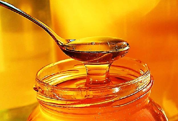 عسل برای کدام رده سنی ممنوع است؟