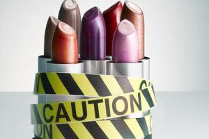 لوازم آرایشی با این ترکیبات خطرناک هستند، مراقب باشید!!