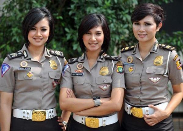 افسران پلیس زن در برخی کشورهای جهان