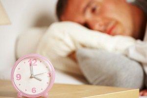 یک شب بدخوابی معادل شش ماه تغذیه پرچرب!!
