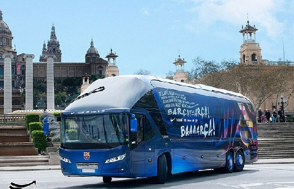 اتوبوس خاص تیم بارسلونا