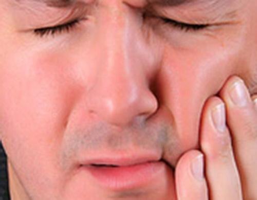 10 راه کاهش درد دندان در خانه