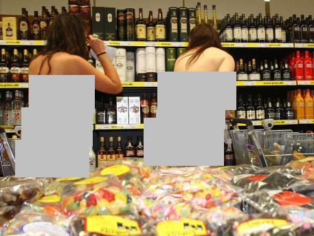 لخت شوید، هر جنسی که می خواهید از مغازه بردارید!