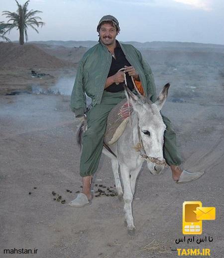 عکس کامبیز دیرباز و همسرش و فرزندش در خارج از کشور