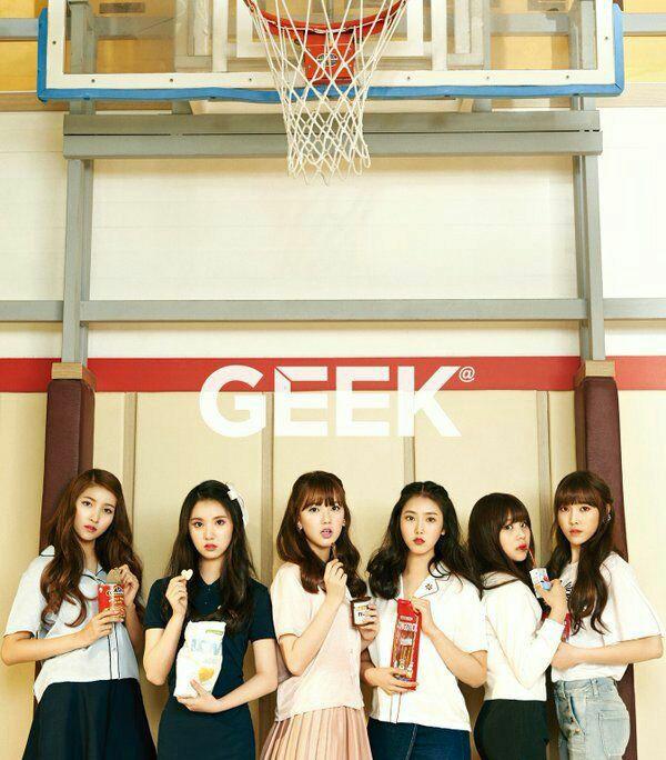 عکس  گروه کره ای GFriend برای مجله ی Greek 😎👌