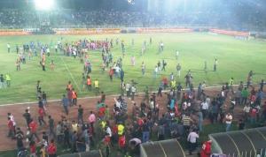 هیئت فوتبال و استقلال اهواز مقصر شناخته شدند
