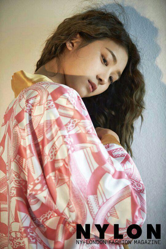عکس بورا عضو گروه کره ای سیتار برای مجله nylon