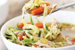 سوپ رژیمی را این بار با مرغ و کدو درست کنید