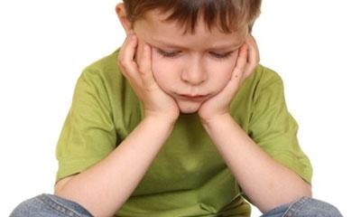 چرا بعضی از کودکان کم حرف می زنند؟