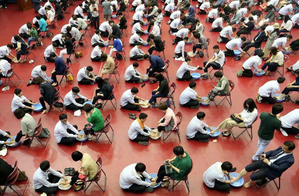 عکس دانش آموزان دبیرستانی در شهر دایجئون کره جنوبی در روز