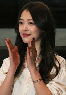 بیوگرافی بازیگر و خواننده کره ای چوی جین ری یا همون سولی عضو گروه اف ایکس Choi Jin ri