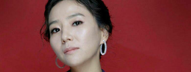 بازیگر سئوجئونگ یئون بازیگر سریال نسل خورشید به کمپانی YGپیوست.