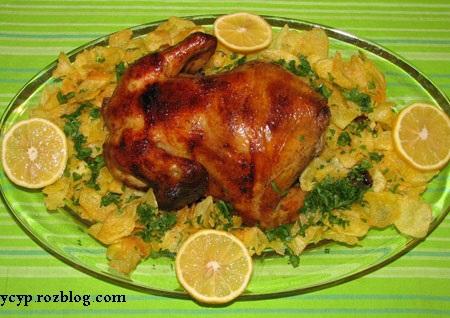 طرز تهیه مرغ شکم پرکن با طعم سیب