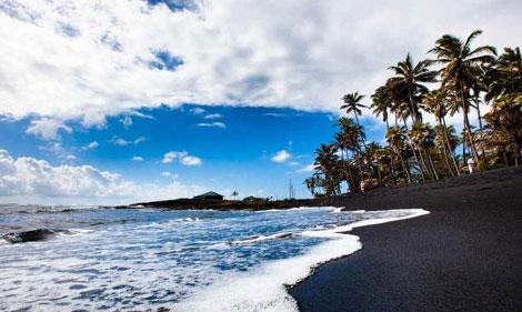 ساحل «پونالو» - ساحل سیاه