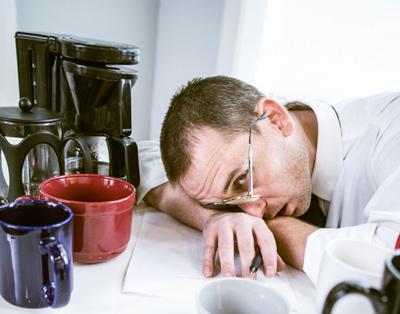 8 خطر پنهان اعتیاد به کافئین