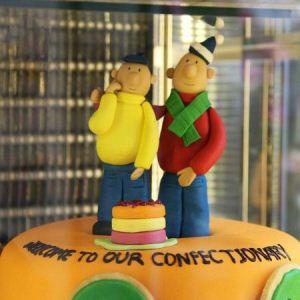 تزئین های مختلف و هنرمندانه با شیرینی برای کیک تولد