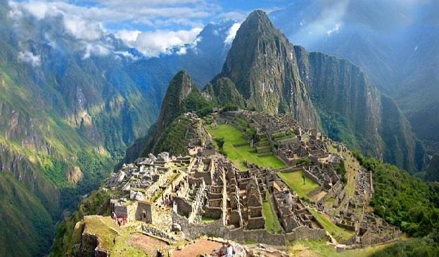 فهرستی از 10 بنای تاریخی محبوب جهان