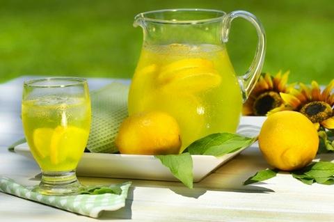نوشیدنی لیموناد