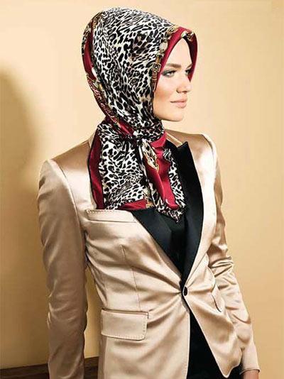 روسری مارک دار