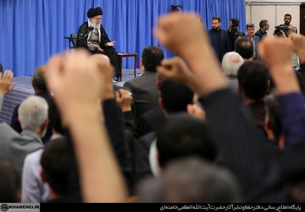 دیدار خانوادههای شهدای هفتم تیر و جمعی از خانوادههای شهدای مدافع حرم با رهبر انقلاب
