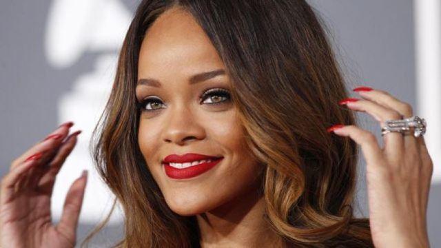 ترجمه و متن اهنگ Sledgehammer از Rihanna