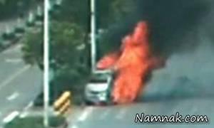 آتش گرفتن ماشین به علت گرمای شدید هوا + تصاویر
