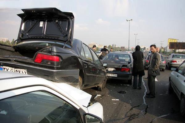حادثه دیدن 15 مسافر به دلیل تصادف زنجیرهای در سمنان/ مصدومیت 9 نفر به دلیل برخورد 2 پراید