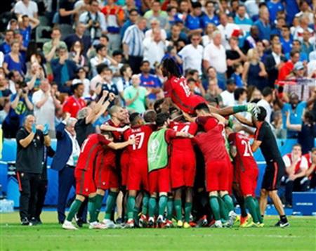 فرانسه صفر - پرتغال ١؛ قهرمانی دیوانه وار + خلاصه بازی و توضیحات