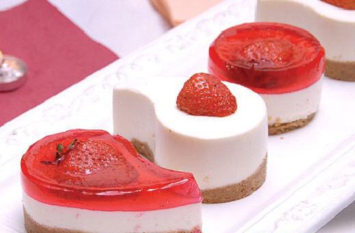 طریقه درست کردن چیز کیک توت فرنگی