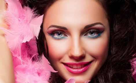 مدل آرایش میکاپ صورت زنانه شاد و لایت