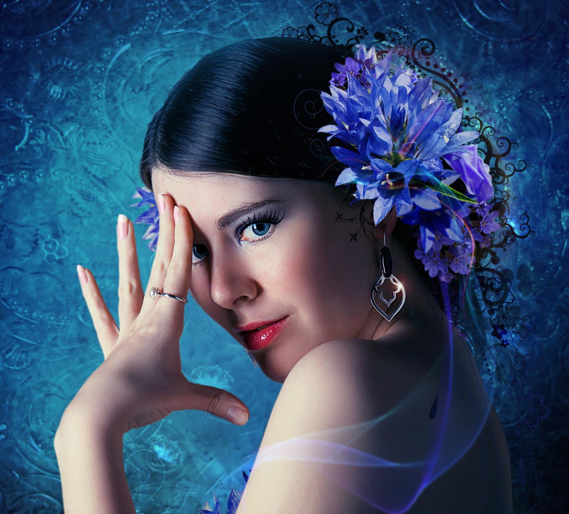 عکس دختری با گل و چشم رنگی