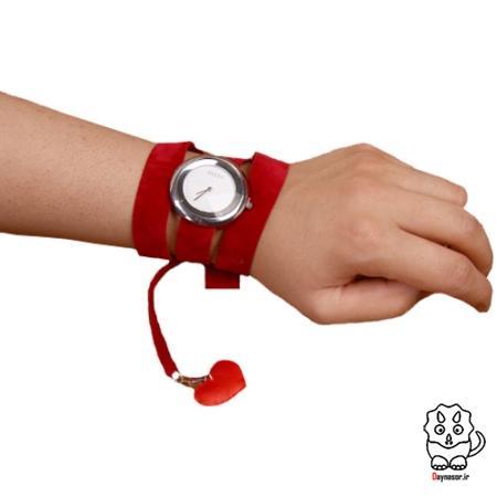 ساعت بندی قرمز لاو