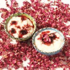 طرز تهیه شیر برنج با دارچین و گل سرخ