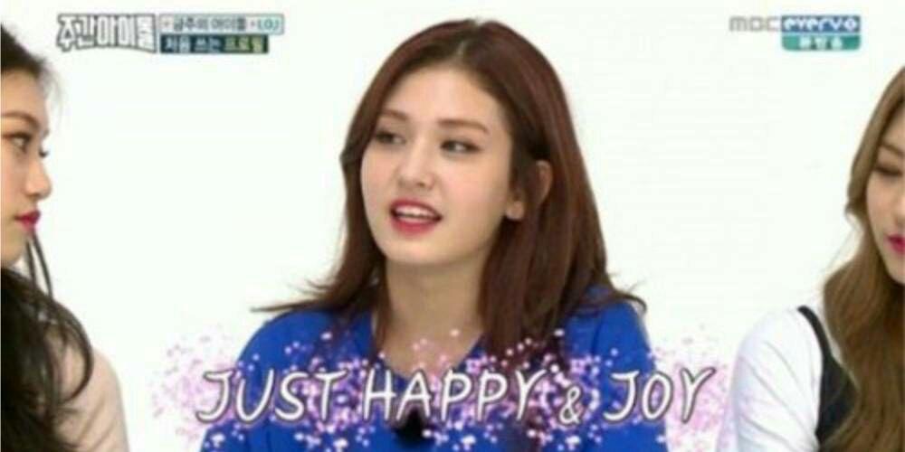 دخترای IOI از شعار هاشون توی برنامه ویکلی ایدل پرده برداری می کنن.