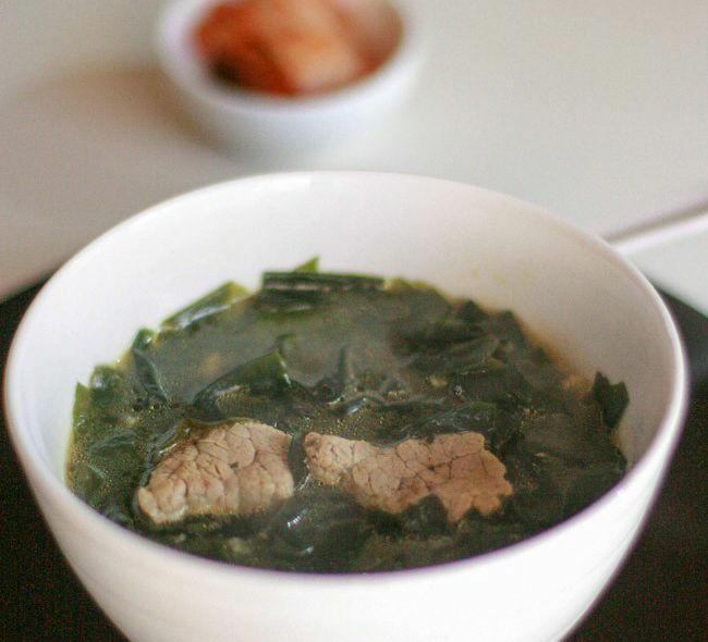 طرز تهیه غذای کره ای سوپ جلبک
