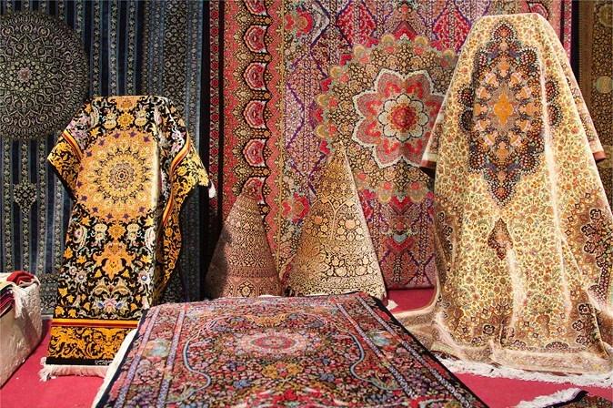 ایران به کدام کشورها فرش دستبافت صادر میکند ؟