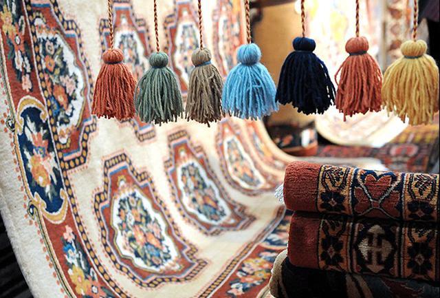 نخستین محموله فرش دسبافت ایران روانه آمریکا شد