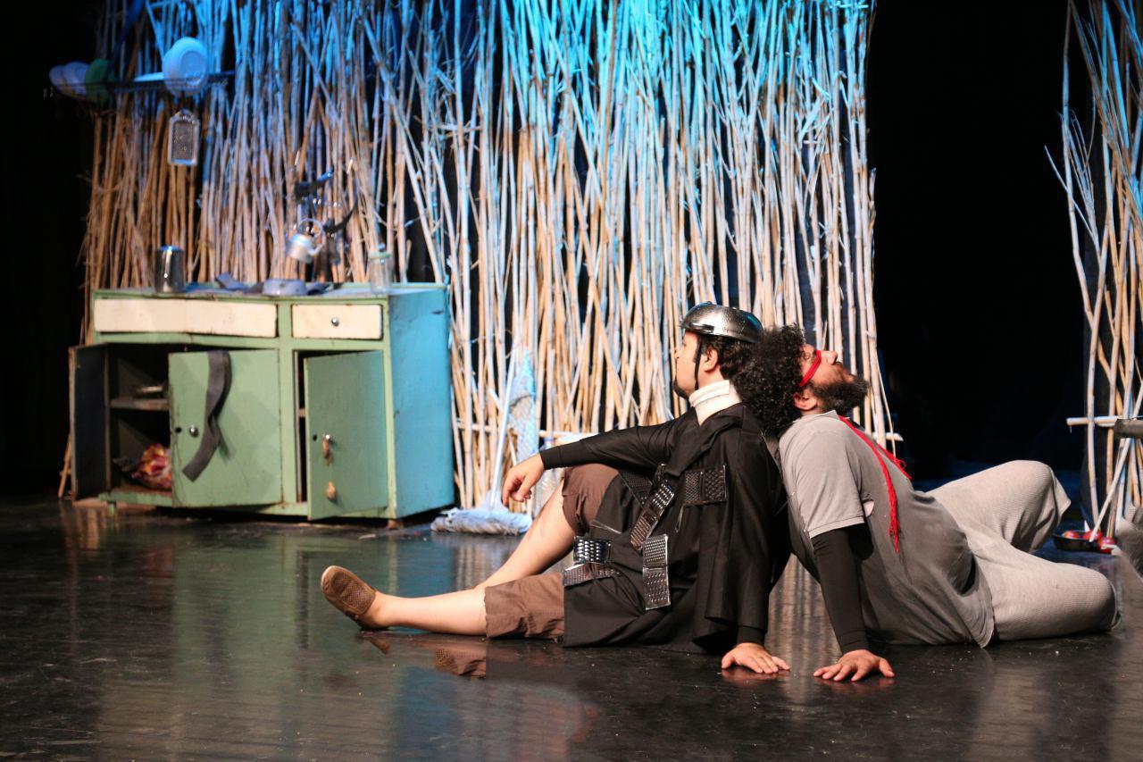 نمایش «روایت عاشقانه» در کافهکتاب «لحظه» نقد و بررسی میشود