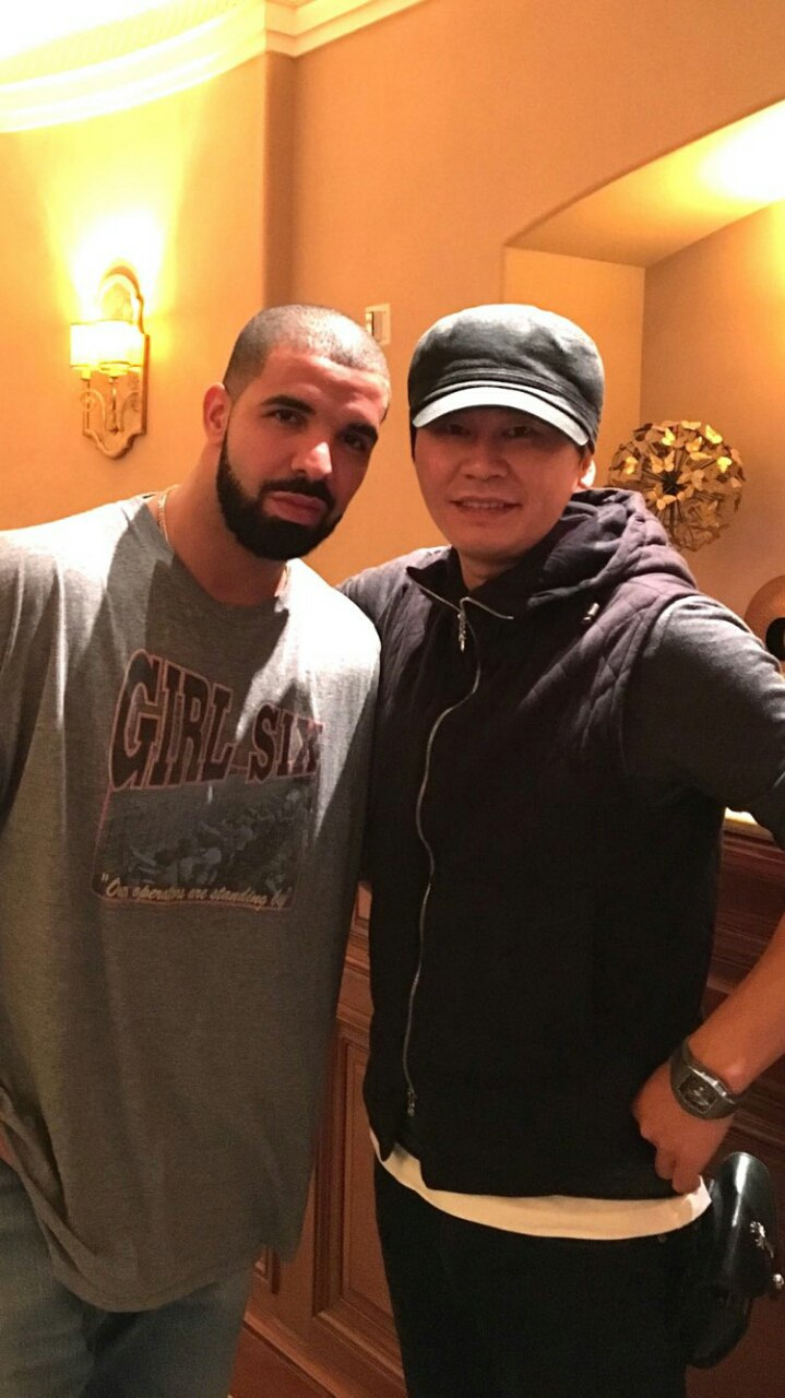 عکس منتشر شده از رئیس کمپانی YG در کنار Drake