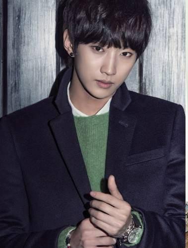 به گزارش خبرگزاریها jinyoung عضو B1A4 قراره برای آلبوم جدید IOI آهنگسازی کنه!!
