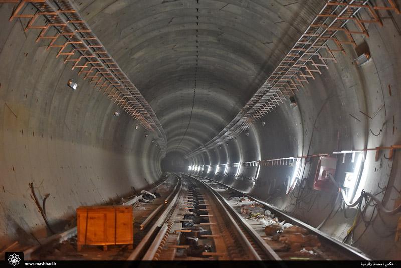 اتمام عملیات ریلگذاری خط 2 قطارشهری تا میدان شهدا