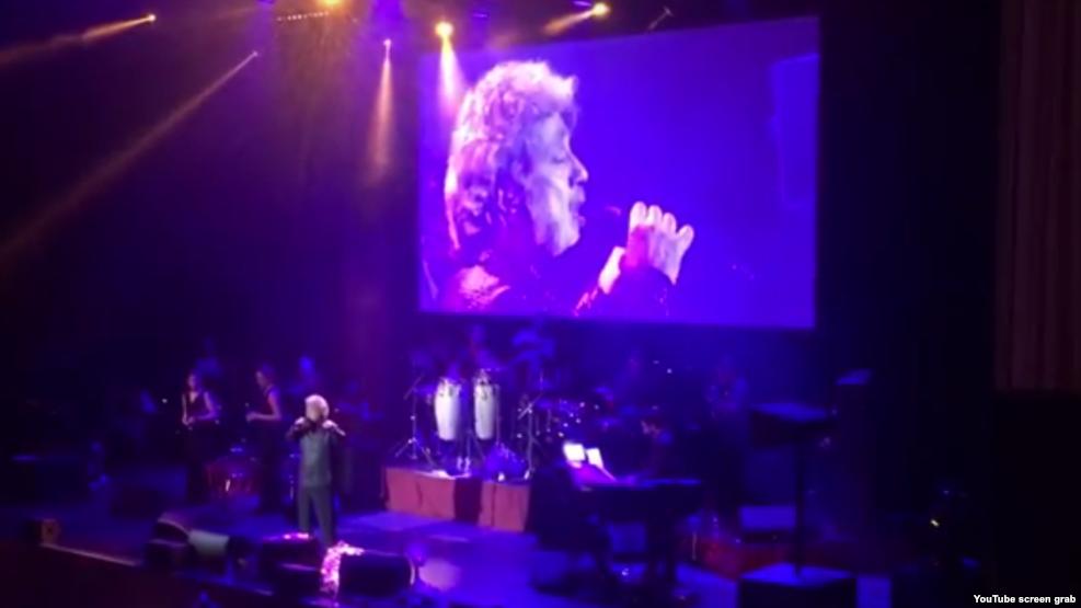 داریوش: کنسرت که جای چاقو نیست
