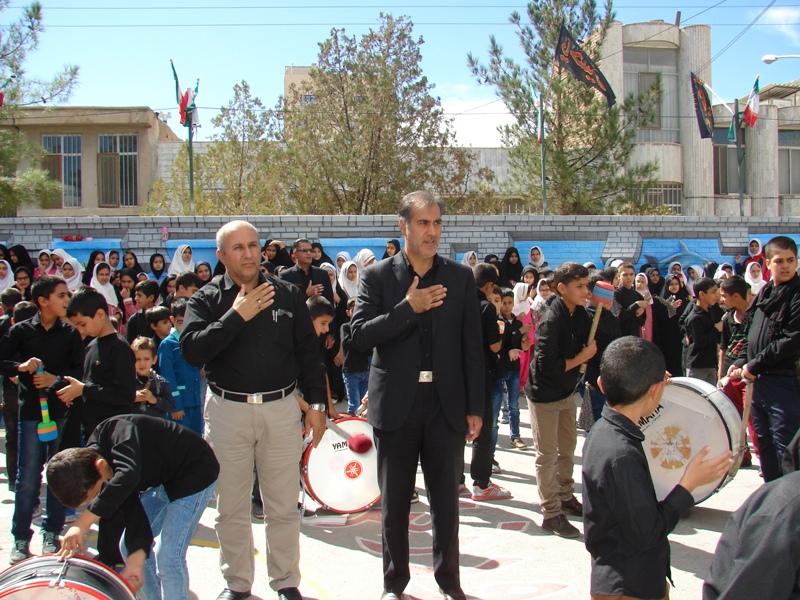 عزاداری دانش آموزان دبستان شهید آیت بیرجند به مناسبت ایام محرم